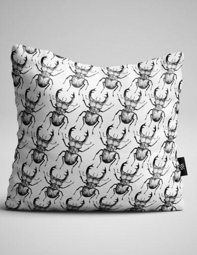 Lucnus-Cervus-Pillow